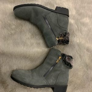 Cole haan boot size 9B